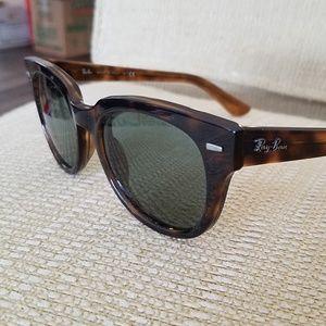Ray Ban classic Meteor Tortoise Shell Sunglasses